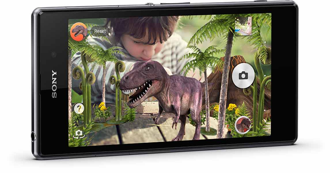 Switch your Xperia Z1 camera to augmented reality and add a funny angle to your pictures.